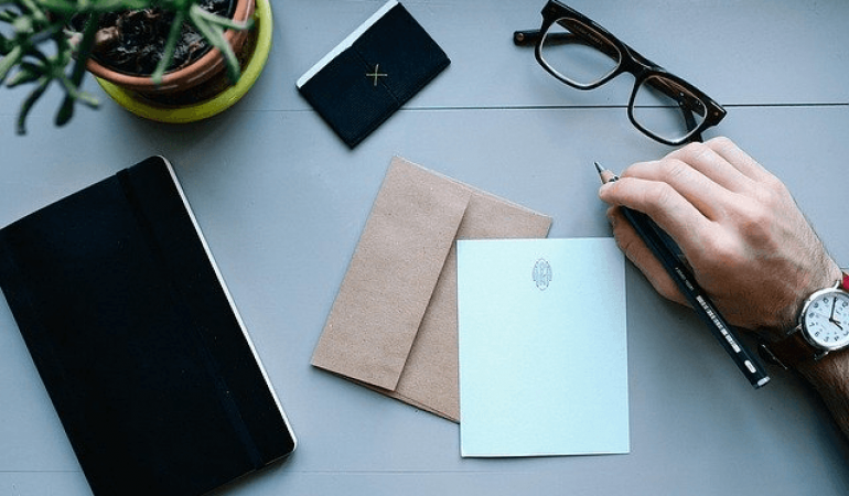 Quel message envoyer après votre entretien d'embauche ?